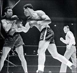 Joe Louis fights Max Schmeling in 1938