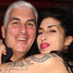 Amy Winehouse's Dad Has a Suggestion for Beyonce