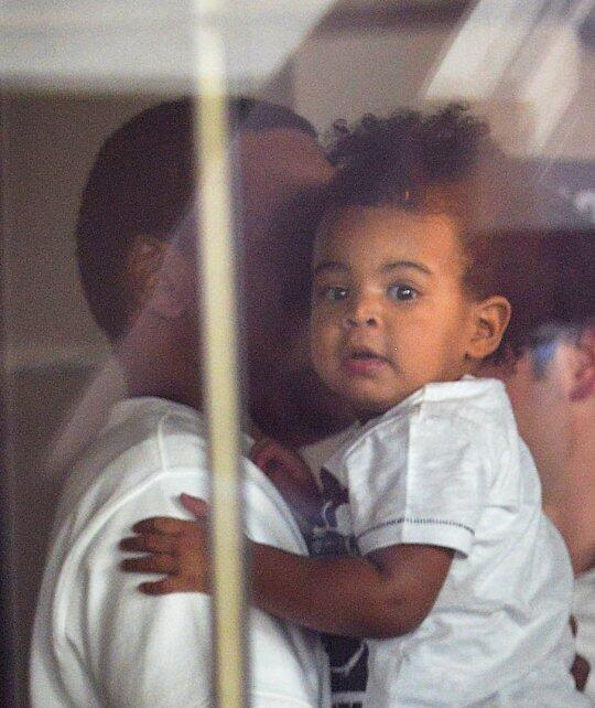beyonce-blue-ivy-jay-z-lunch