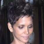 X Men: Pregnant Halle Berry Warns of Toned Down Storm