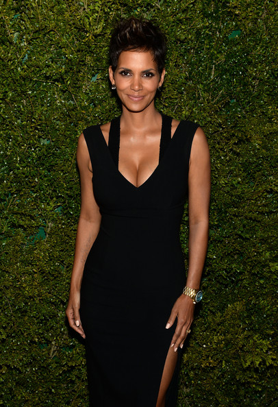 Halle Berry attends a dinner in honor of Halle Berry as she joins Michael Kors and the United Nations World Food Programme to help fight world hunger. The event was held at The Pool Room at the Four Seasons on April 6, 2013 in New York City