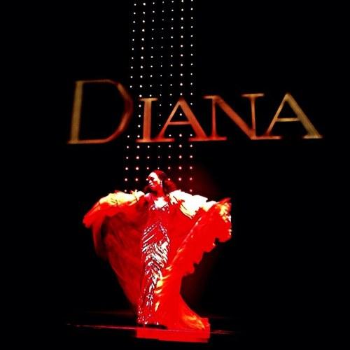 Valisia LeKae as Diana Ross in Motown The Musical