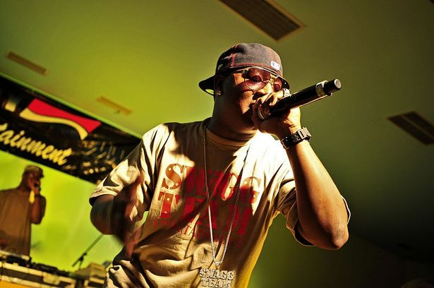 rapper (with mic)