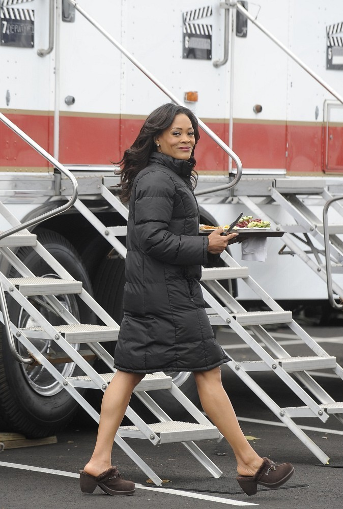 Robin Givens on the set of 90210. (February 20, 2013)