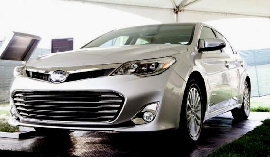 toyota avalon (front & side view)