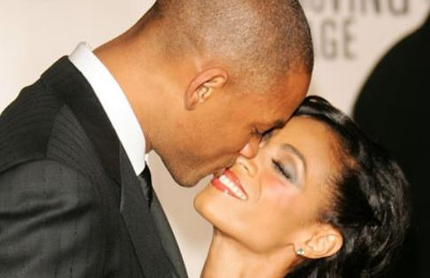will and jada (kissing)