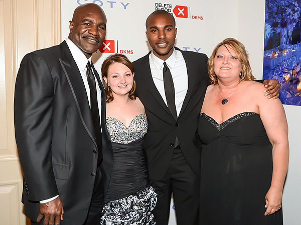 From left: Evander Holyfield, Darian Craig, Evander Holyfield Jr. and Tina Craig