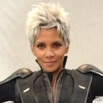 Halle Berry Turns Tables on the 'X-Men' Fanatics