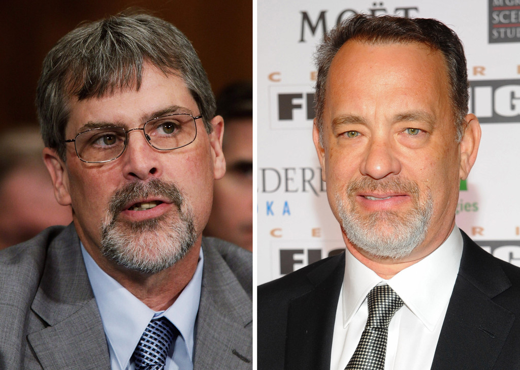 Captain Richard Phillips (L) and Tom Hanks