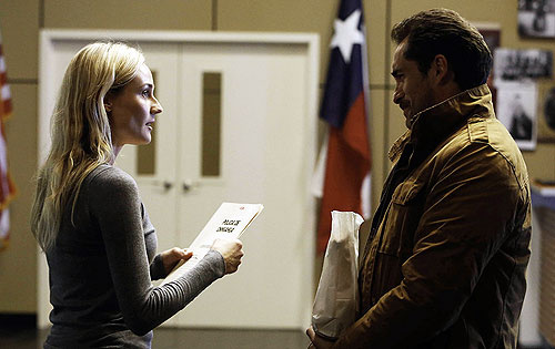 "Diane Kruger and Demian Bichir in FX's ""The Bridge"""