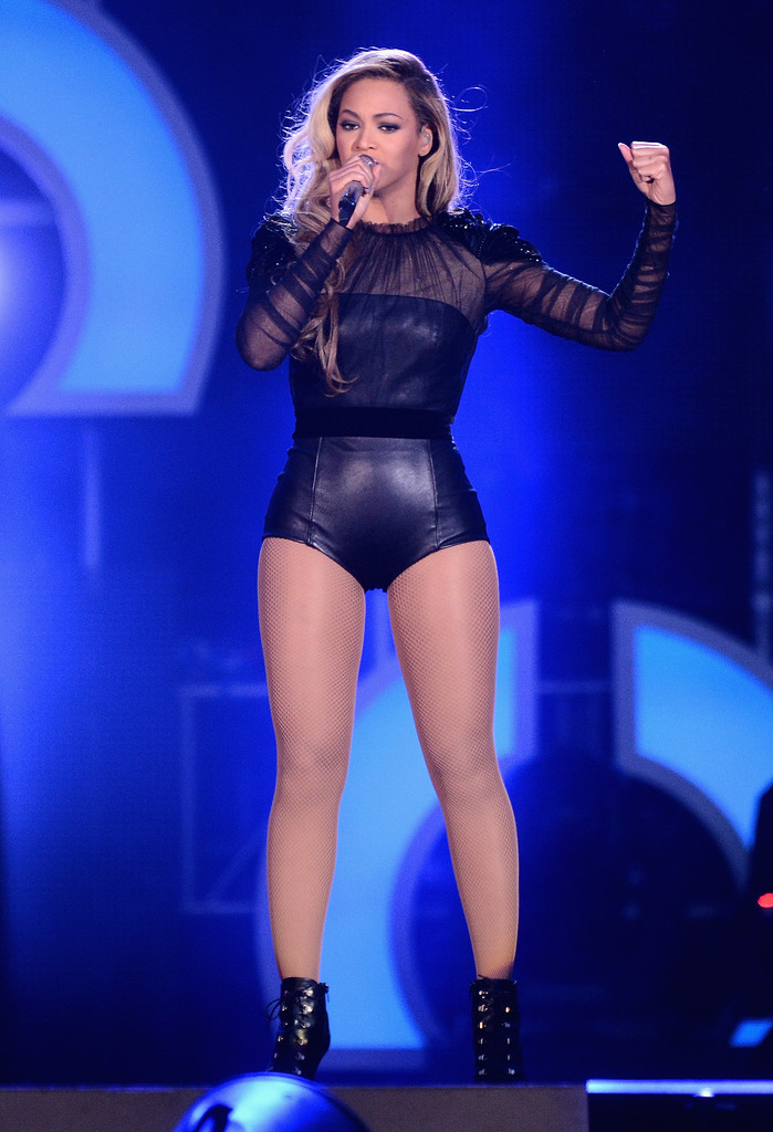"""Beyonce performs on stage at the """"Chime For Change: The Sound Of Change Live"""" Concert at Twickenham Stadium on June 1, 2013 in London"""