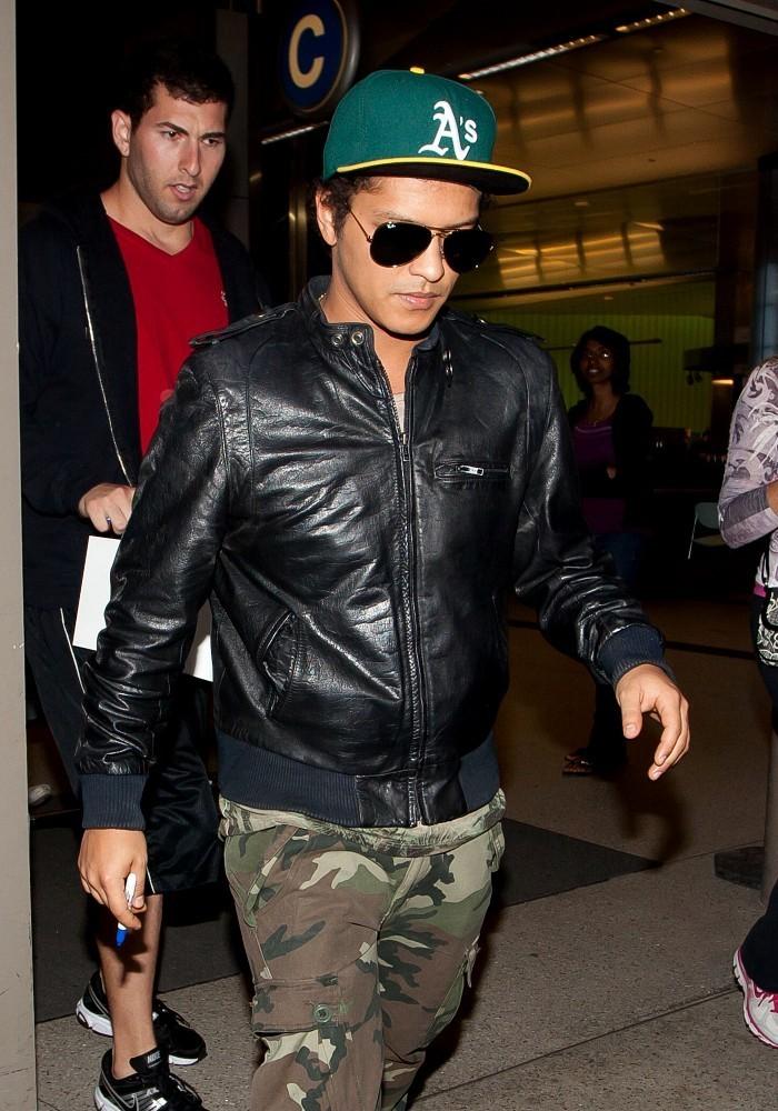 Bruno Mars arrives at LAX  (May 31, 2013)