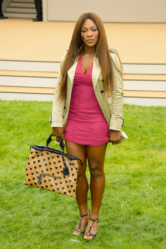Serena Williams arrives to attend Burberry Prorsum Menswear Spring /Summer 2014 Collection in London. (June 18, 2013)