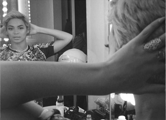 beyonce (short hair - mirror)