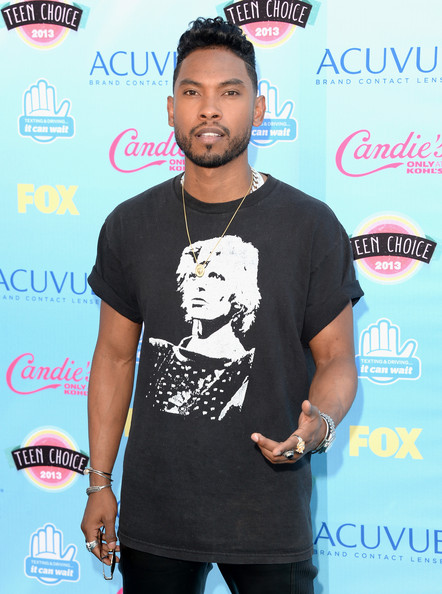 Singer Miguel attends the Teen Choice Awards 2013 at Gibson Amphitheatre on August 11, 2013 in Universal City, California