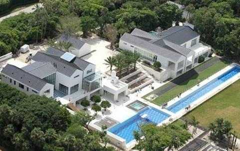 tiger woods home (sinking)