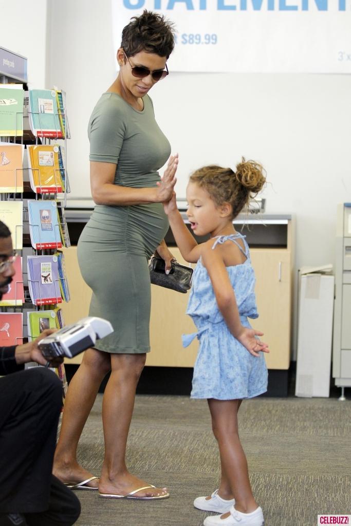 Halle Berry pregnant