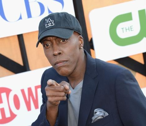 arsenio hall (pointing)