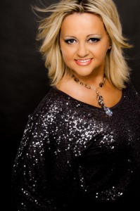 "Dove Award winning Vicki Yohe releases new album ""Free Worshipper."""