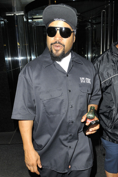 Ice Cube leaves his hotel for an appearance on 'Late Night With Jimmy Fallon Show' in New York City. (June 18, 2013)