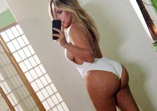 kim k's swimsuit selfie