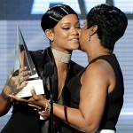 AMAs: Rihanna Gets Icon Award; Macklemore & Timberlake Win 'Black'