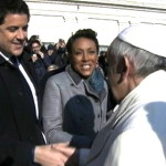 Pope Francis to Robin Roberts: 'Please Pray for Me' (Watch)