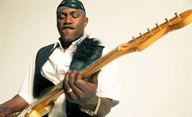 Eric Guitar Davis interviewed in the April 2012 issue of Illinois Entertainer