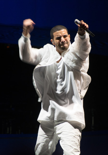 """Drake performs at the """"Would You Like A Tour?"""" Concert at Prudential Center on October 27, 2013 in Newark, New Jersey"""