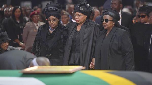 mandela funeral (winnie & grace)