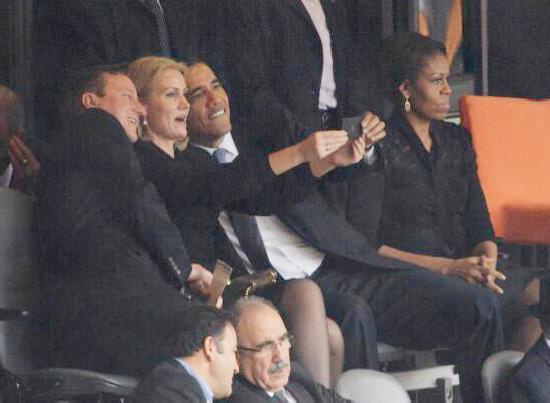 obama selfie at mandela memorial