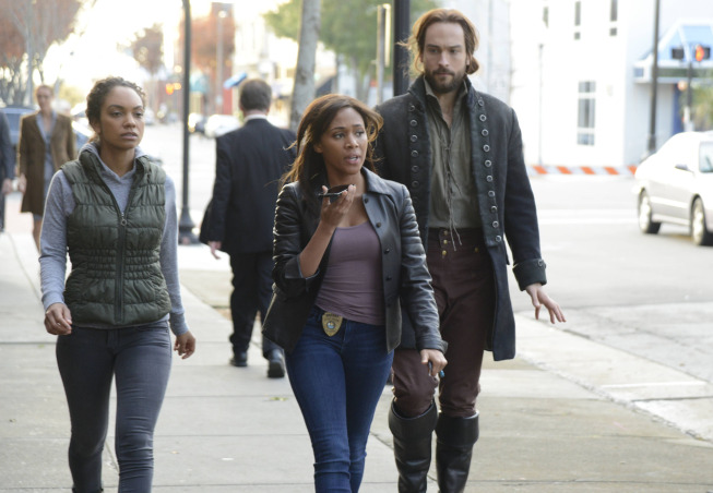 "SLEEPY HOLLOW: Jenny (guest star Lyndie Greenwood, L), Abbie (Nicole Beharie, C) and Ichabod (Tom Mison, R) search for answers in the ""Vessel"" episode of SLEEPY HOLLOW airing Monday, Jan. 13 (9:00-10:00 PM ET/PT) on FOX."