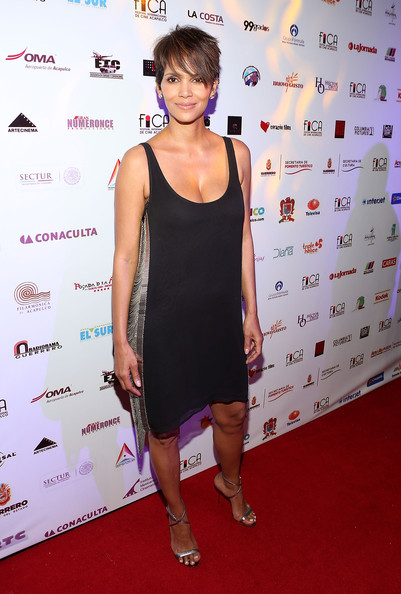 Actress Halle Berry attends the closing of the 9th annual Acapulco Film Festival after party on January 29, 2014 in Acapulco, Mexico