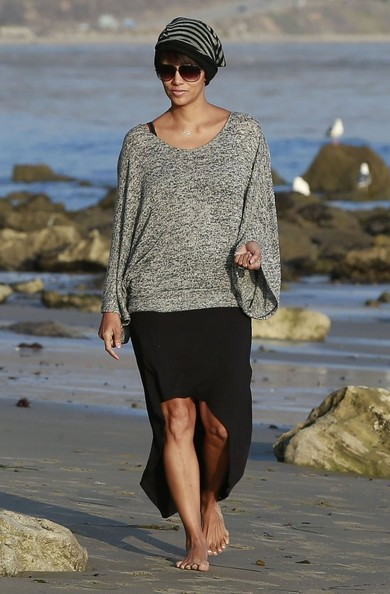 Halle Berry on the beach in Malibu, California on December 21, 2013
