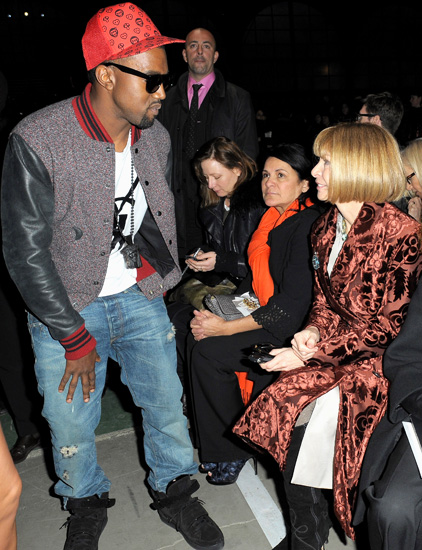 Kanye West and Anna Wintour chat at the Givenchy Ready-to-Wear A/W 2009 fashion show