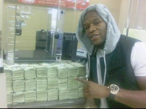 floyd mayweather & stacks of money