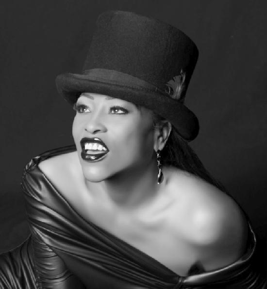 miki howard (b&w)
