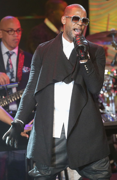 Performing artist R Kelly performs onstage during the 56th annual GRAMMY Awards Pre-GRAMMY Gala and Salute to Industry Icons honoring Lucian Grainge at The Beverly Hilton on January 25, 2014 in Beverly Hills, California