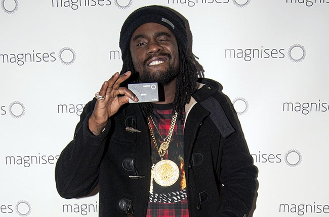 wale_with_magnises_card