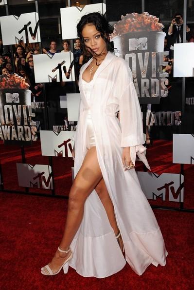 Rihanna arrives at the MTV Movie Awards. (April 13, 2014)