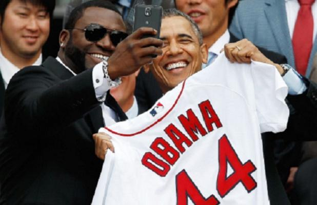 david-ortiz-white-house-selfie-618x400