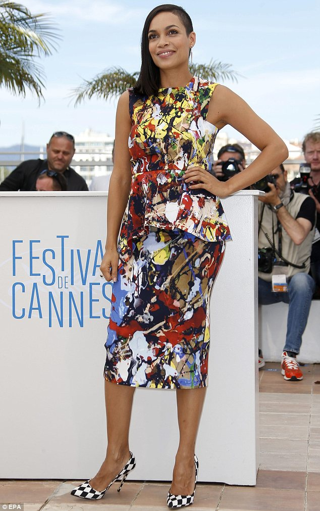 Rosario Dawson poses for the cameras at the 67th annual Cannes Film Festival
