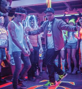 (L-R) Zac Efron dances off against Seth Rogen in Neighbors