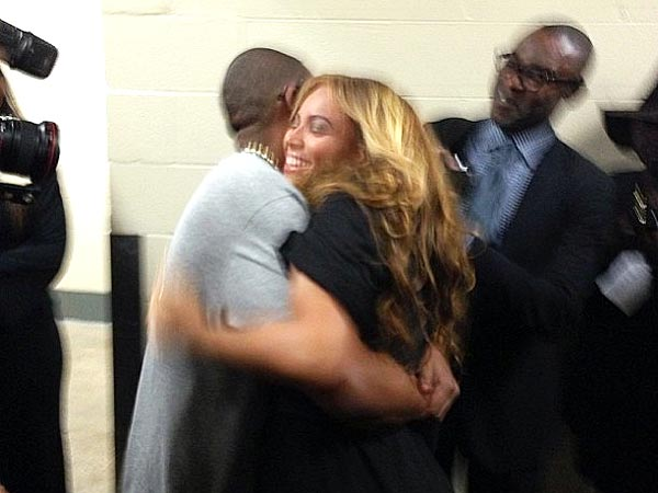 Beyonce and Jay-Z Embrace After Super Bowl Halftime Show on Feb. 3, 2013
