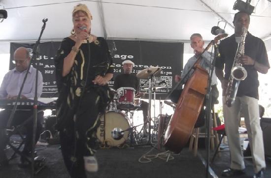 DeeDee NcNeal Quartet