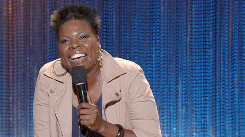 leslie jones (with mic)