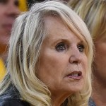 Shelly Sterling Vows to Complicate Sale of Clippers; She Demands Control of Team