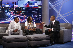"Chris Tucker (L) and Snoop Dogg on ""The Arsenio Hall Show"""