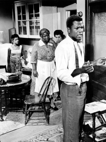 "(L-R) Ruby Dee, Claudia McNeil, Diana Sands, Sidney Poitier in the 1961 film ""A Raisin in the Sun'"