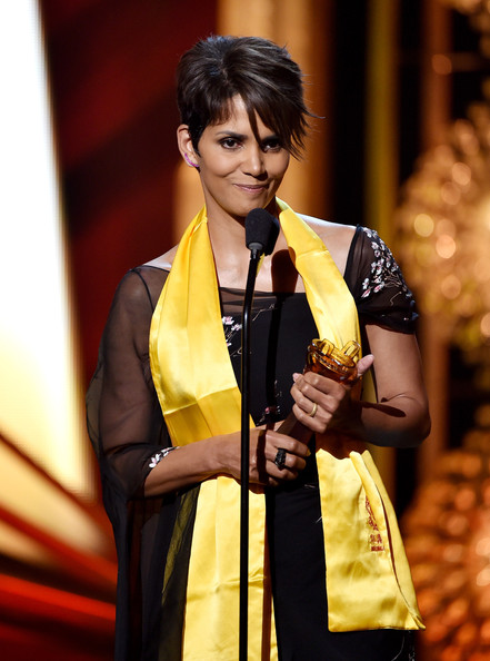 Actress Halle Berry accepts the Global Movie Icon Award at the 2014 Huading Film Awards at The Montalban Theatre on June 1, 2014 in Los Angeles
